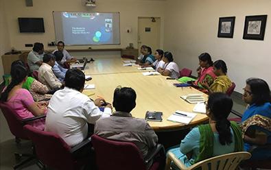 Dr. Kedar handling session for Aravind team at LAICO.